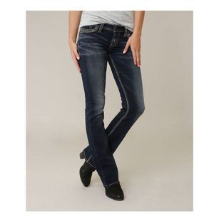 NWT SILVER JEANS CO Tuesday Low Rise ssf435